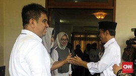 Jokowi Kunjungi Rumah Istri Eks Wapres Umar Wirahadikusumah