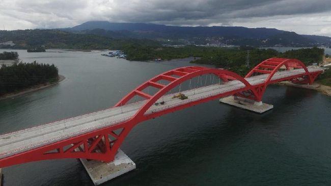 Jokowi Berharap Jembatan Youtefa Majukan Wisata Bahari Papua