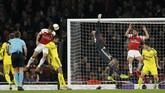 Gol ketiga Arsenal yang dicetak Sokratis Papastathopoulos pada menit ke-60 juga bermula dari sepak pojok Xhaka. (Action Images via Reuters/John Sibley)
