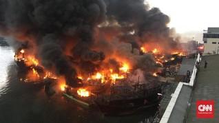 Puluhan Kapal Terbakar di Muara Baru Hingga 3 Jam Lebih