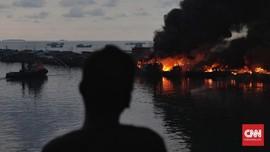 Belasan Kapal Terbakar di Indramayu