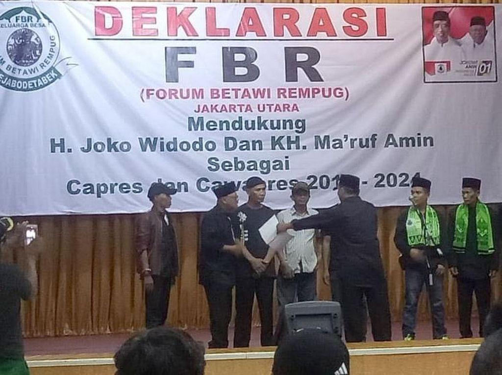 Dukungan tersebut diberikan juga lantaran Jokowi dinilai berhasil membangun dan meningkatkan perekonomian dan sudah selayaknya terpilih kembali sebagai presiden untuk 2 priode. Foto: dok. FBR