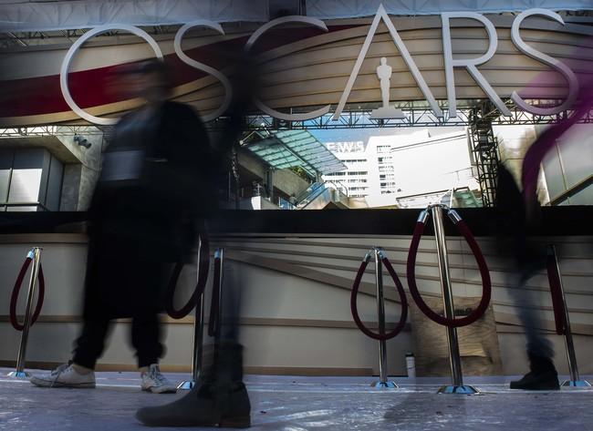AMPAS juga sempat memutuskan agar durasi penyelenggaraan dipangkas menjadi hanya tiga jam. Namun belakangan itu dibatalkan karena banyaknya protes dari sineas yang merasa akan ada beberapa pemenang harus diumumkan off air. (Andrew CABALLERO-REYNOLDS / AFP)