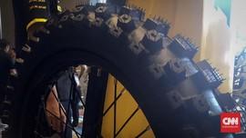Memilih 'Sepatu' untuk Motor Trail
