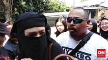 Mulan Jameela Ajak Safeea Jenguk Ahmad Dhani di Penjara