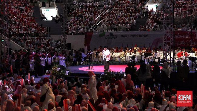 Berhijab Merah, Ribuan Ibu-ibu Deklarasi Dukung Jokowi-Ma'ruf