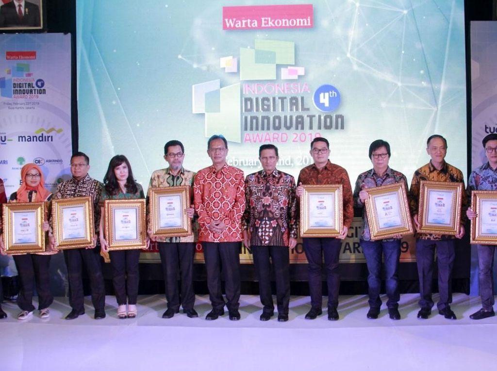 Penghargaan ini diraih berkat komitmen Mandiri Tunas Finance dalam memberikan inovasi digital bagi pelanggan menghadapi industri 4.0. Istimewa/MTF.
