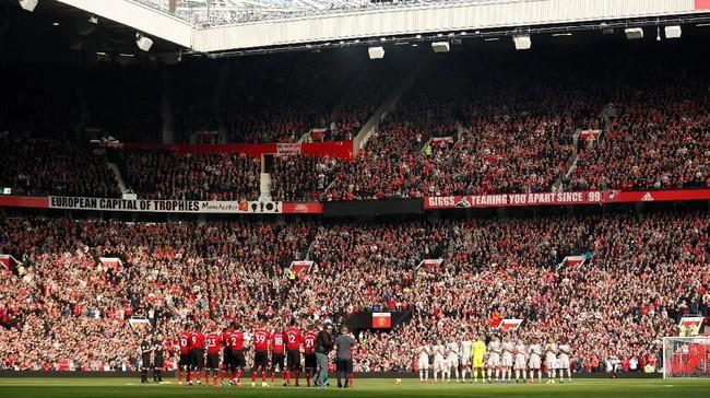 Manchester United menjamu Liverpool dalam laga Liga Inggris di Old Trafford, Minggu (24/2). (Reuters/Lee Smith)