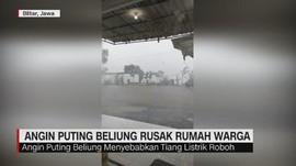 Puting Beliung Rusak Puluhan Rumah di Temanggung & Blitar