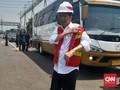 Jokowi ke Sopir Truk: Saya Lari ke Sini Demi Para Pengemudi