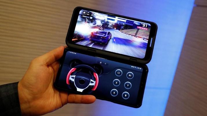 LG juga meluncurkan smartphone baru tetapi dengan definisi layar lipat berbeda dari Samsung dan Huawei.