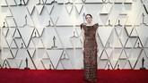 Ohhh..Emma Stone! Dia memakai gaun dengan detail seperti kulit waffle yang gosong. REUTERS/Mario Anzuoni