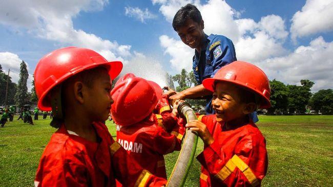 Surabaya Punya Wisata Pemadam Kebakaran untuk si Kecil