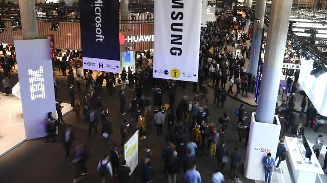 Pameran Mobile World Congress 2019 kembali diselenggarakan di Barcelona, 25-28 Februari. Selain jadi ajang pameran mobile dan jaringan, MWC juga menghadirkan robot pintar.(AFP/ Gabriel Bouys)