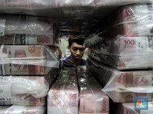 Dilema Rupiah: Dolar AS Lemah, Tapi Harga Minyak Melonjak