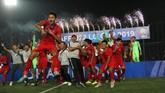 Dimas Drajad dan para pemain serta ofisial Timnas Indonesia U-22 meluapkan kegembiraan usai merengkuh juara Piala AFF U-22 2019. (Dok. PSSI)