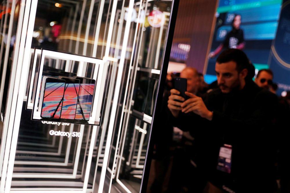 Dalam acara Mobile World Congress 2019 tahun ini berfokus pada ponsel layar lipat dan jaringan 5G seperti Samsung yang meluncurkan Galaxy Fold dan Galaxy S10 nya dengan teknologi 5G.(REUTERS / Rafael Marchante)
