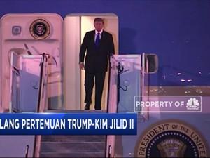 Jelang KTT AS-Korut, Trump Tiba di Hanoi