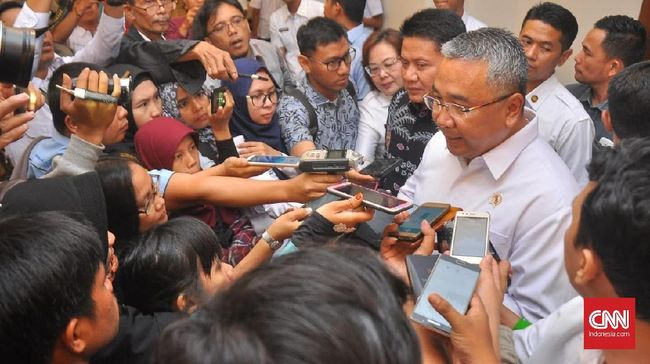 Mendes: 191 Ribu Km Jalan Desa Tak Dibangun <i>Simsalabim</i>