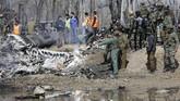 Meski hidup bertetangga, relasi India dan Pakistan selalu terganjal konflik di Kashmir. (AP Photo/Mukhtar Khan)