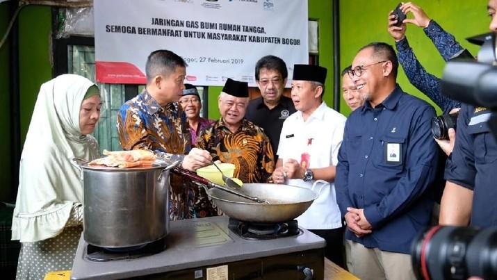 Jargas Masuk Bogor, Ribuan Rumah Nikmati Gas Lebih Murah
