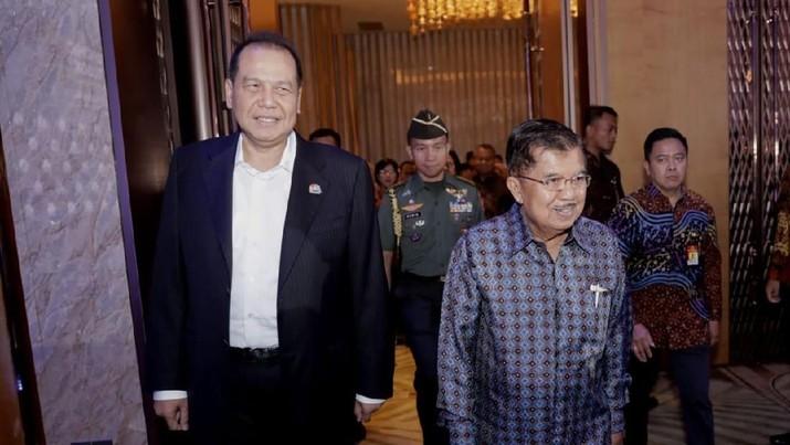 Wakil Presiden Jusuf Kalla memberi jaminan bahwa pemilu legislatif dan pemilu presiden April mendatang akan berjalan lancar.