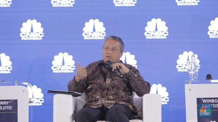 Gubernur Bank Indonesia (BI) Perry Warjiyo memberi sinyal kenaikan suku bunga bank sentral akan semakin melambat.