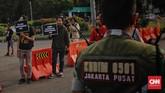 Wacana militer menempati jabatan sipil ini bermula ketika Panglima TNI Marsekal Hadi Tjahjanto berencana membuat kebijakan agar perwira tinggi (pati) dan perwira menengah (pamen) TNI masuk ke kementerian/Lembaga di Indonesia. (CNN Indonesia/Adhi Wicaksono)
