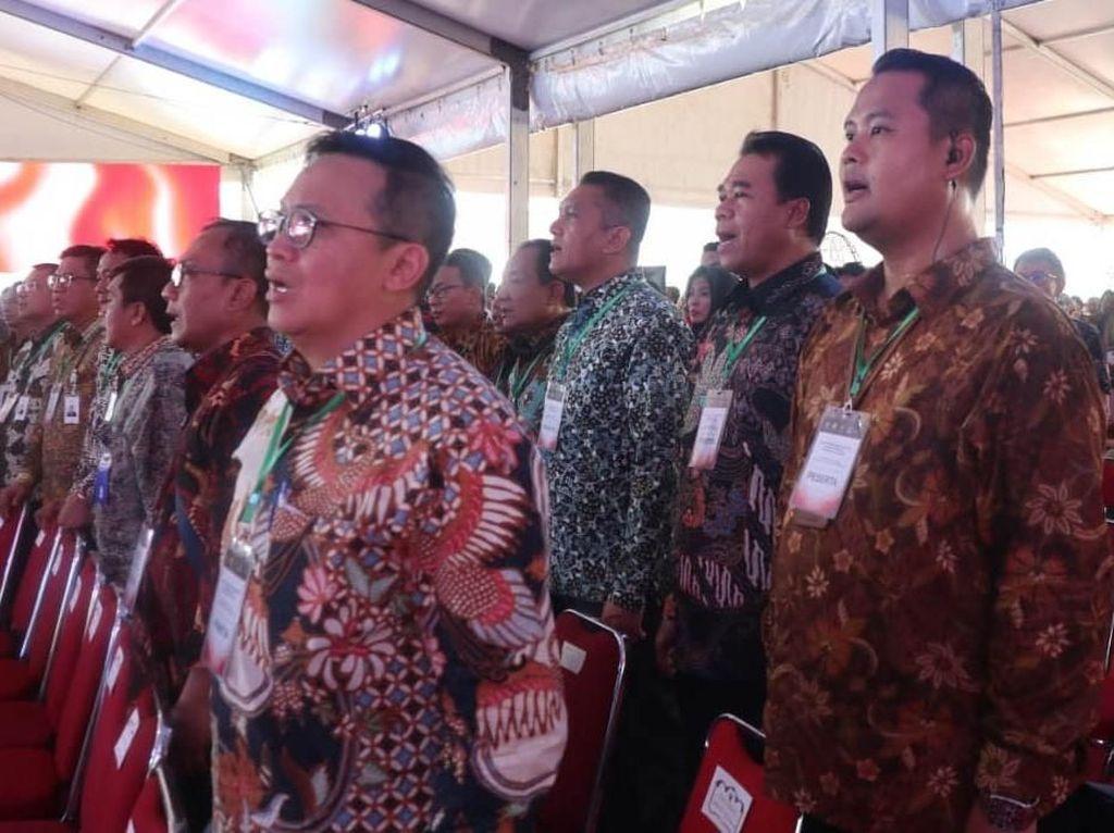 PT Asuransi Kredit Indonesia atau Askrindo (Persero) memberikan bantuan uang tunai sebesar Rp 50 juta. Pool/Askrindo.