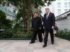Panas Dingin Hubungan Trump & Kim, Mesra Tapi Saling Ancam