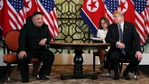 Proses perundingan Trump dan Kim Jong-un disebut berjalan lancar, tetapi berakhir tanpa kesepakatan. (REUTERS/Leah Millis)