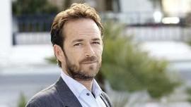 'Riverdale' Siapkan Episode Spesial untuk Mendiang Luke Perry