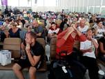 India-Pakistan Berseteru, Penumpang Telantar di Bandara
