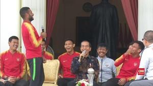 VIDEO: Detik-detik Marinus Minta Perbaikan Jalan ke Jokowi