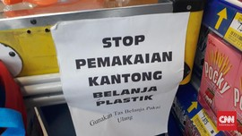 Per 15 Maret, Plastik di Hypermart Gajah Mada Berbayar