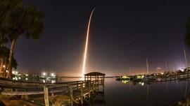 FOTO : Peluncuran Kapsul Luar Angkasa SpaceX