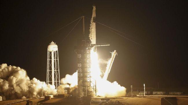 Kapsul Luar Angkasa SpaceX Berhasil Diluncurkan