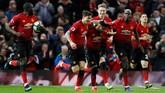 Para pemain Manchester United merayakan gol Andreas Pereira ke gawang Southampton. (REUTERS/Phil Noble)