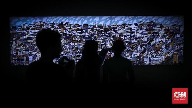 Pameran 'Into The Future' diikuti 21 perupa perempuan Indonesia yang menampilkan karya lukis, video, mixed media dan instalasi. (CNN Indonesia/ Hesti Rika)