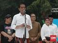 Jokowi Wacanakan Kebijakan Bersarung Sehari