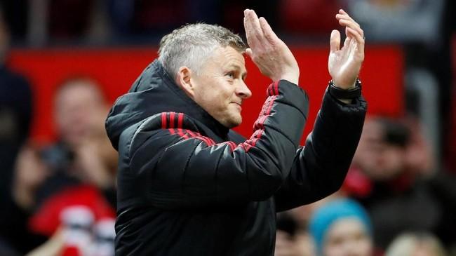 Manajer interim Manchester United Ole Gunnar Solskjaer usai mengalahkan Southampton. Man United (58 poin) kini mendekati Tottenham Hotspur di posisi ketiga dengan hanya terpaut tiga poin. (Reuters/Carl Recine)