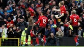 Manchester United akhirnya memastikan kemenangan lewat gol kedua Romelu Lukaku pada menit ke-88. (REUTERS/Phil Noble)