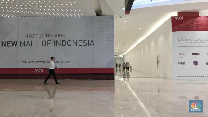 Maraknya toko online juga disinyalir membuat pergeseran dalam budaya berbelanja masyarakat Indonesia.