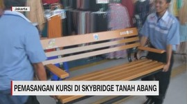 Pemasangan Kursi Skybridge Tanah Abang