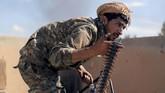 Seorang pejabat SDF, Lewla Abdullah, mengatakan setidaknya empat anggotanya dan lebih dari 100 pejuang ISIS tewas sejak Jumat pekan lalu. (REUTERS/Rodi Said)