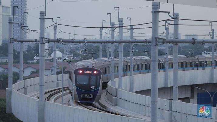 Presiden Jokowi dijadwalkan meresmikan MRT Jakarta, Minggu (24/4/2019) besok. Selanjutnya, MRT beroperasi secara komersial pada 1 April 2019.