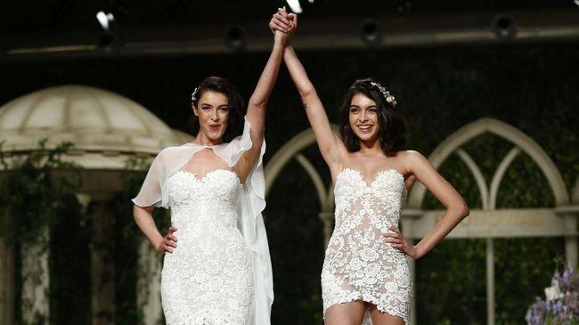 Marc Marquez Bantah Tinggal Bersama Model Lucia Rivera