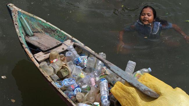 Peneliti Temukan Sampah Plastik 10 Km Di Bawah Laut