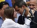 FOTO: Perlawanan Guaido dari Podium Menentang Maduro