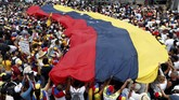 Kepulangan Guaido ini dianggap dapat mengancam Maduro yang kian terdesak di tengah ketidakpercayaan masyarakat akan kemampuannya untuk menyelamatkan Venezuela dari keterpurukan ekonomi. (REUTERS/Carlos Garcia Rawlins)